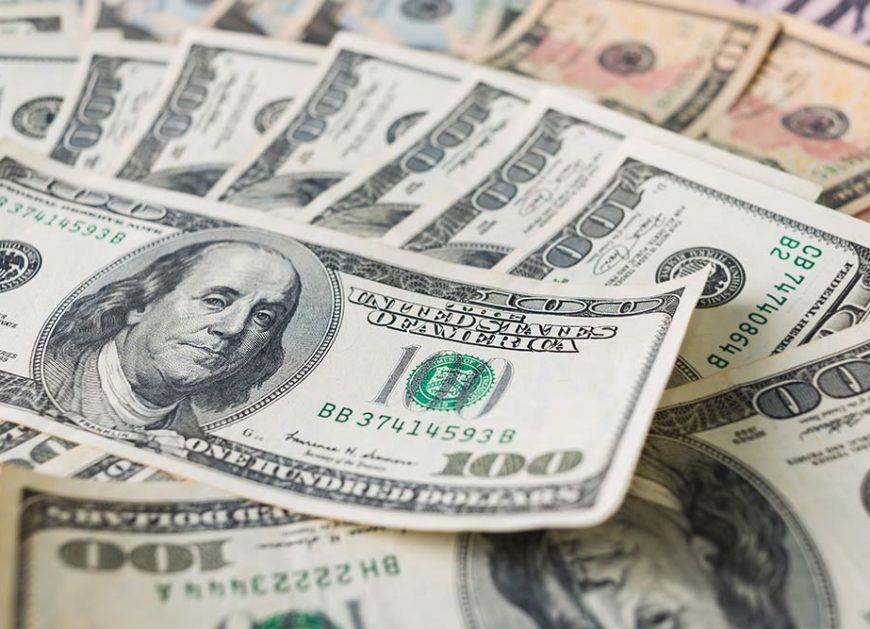 Dollar beats yen and franc